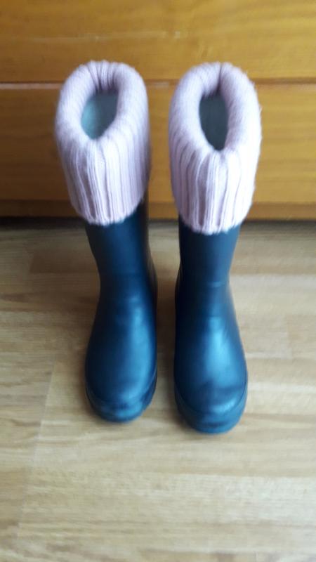 botas lluvia niña color gris azulado con ribete rosa