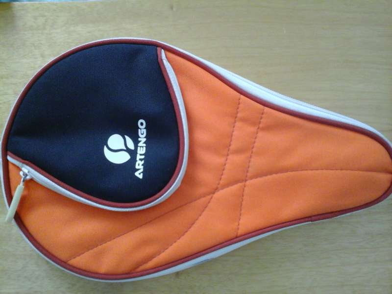 housse de raquette de tennis de table artengo orange noire