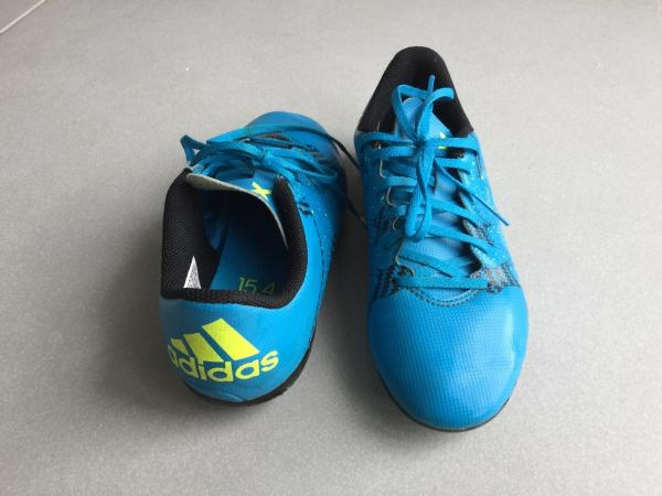 Crampons football PORTES 2  fois ---Pointure 35