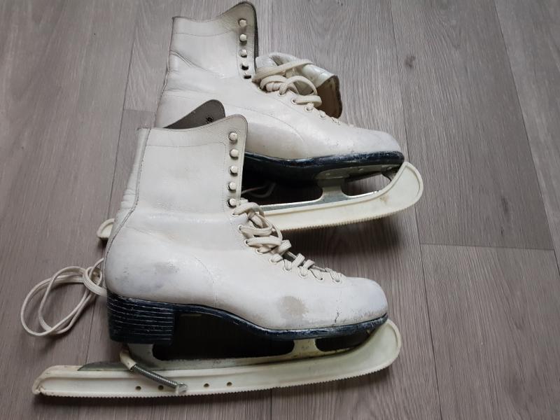patins artistique blanc