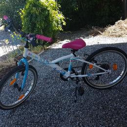 Vélo fille 6-9 ans - B'TWIN MistiGirl (Décathlon) - 20 pouces - Etat impeccable