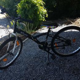 Vélo fille  9-12 ans - B'TWIN Poply 24 pouces - Etat impeccable