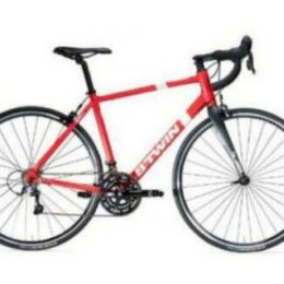 B'TWIN TRIBAN 500 Rennrad Rot ! Guter, gepflegter Zustand !