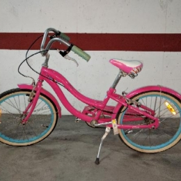 Bicicleta niña retro marca Schwinn rosa