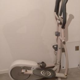 Bicicleta elíptica VE300