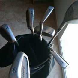 palos de golf con bolsa