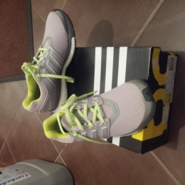 Chaussures adidas running femme taille 39/1/3